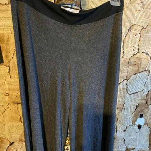 Market Women's Lounge Pants size M