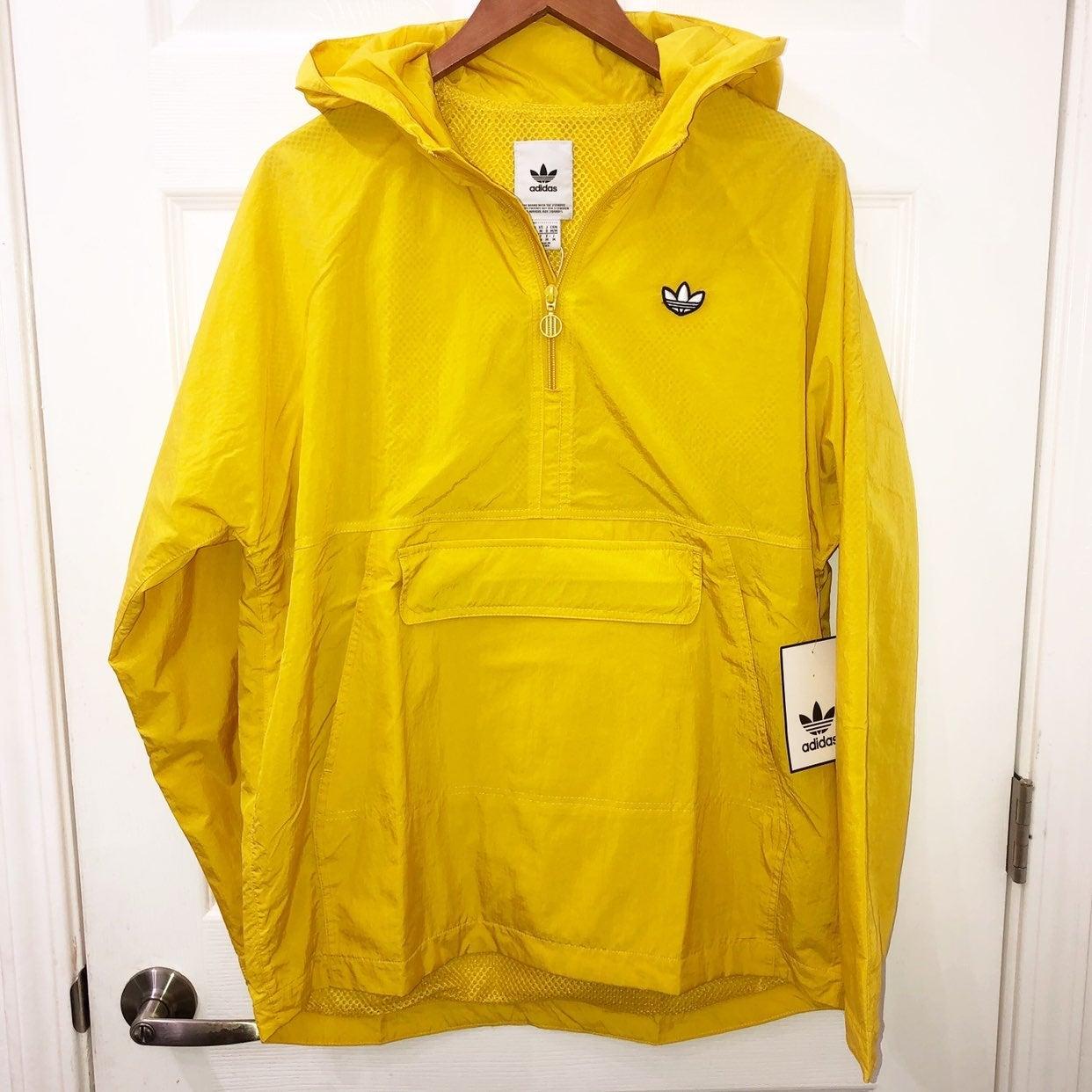 NWT Adidas lightweight jacket size Mediu
