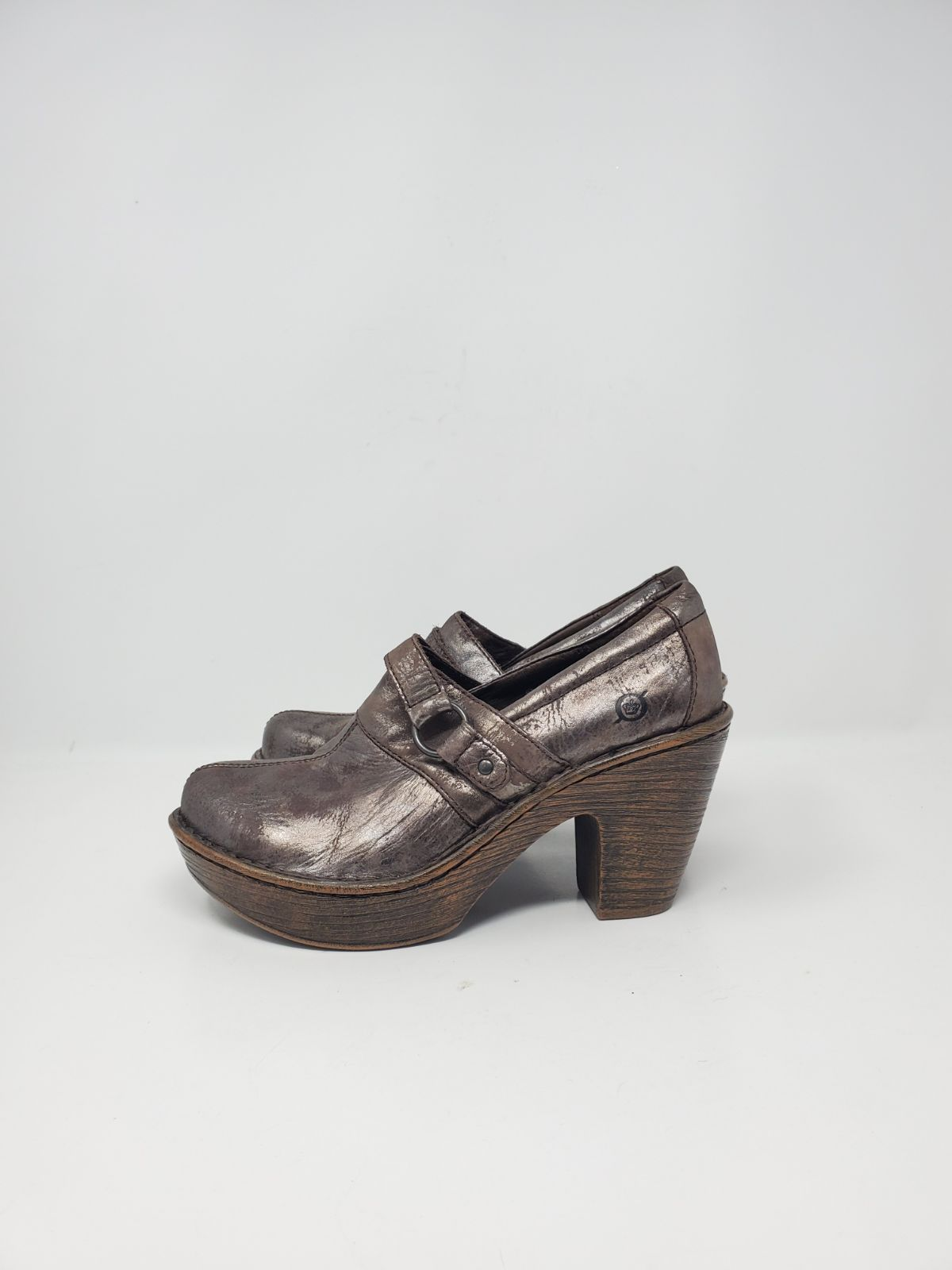 NEW Born brown heeled leather shoes