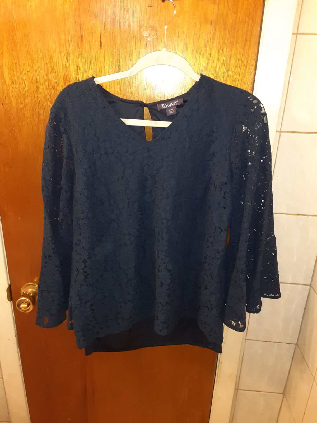 Roman's nwot Lace blue blouse