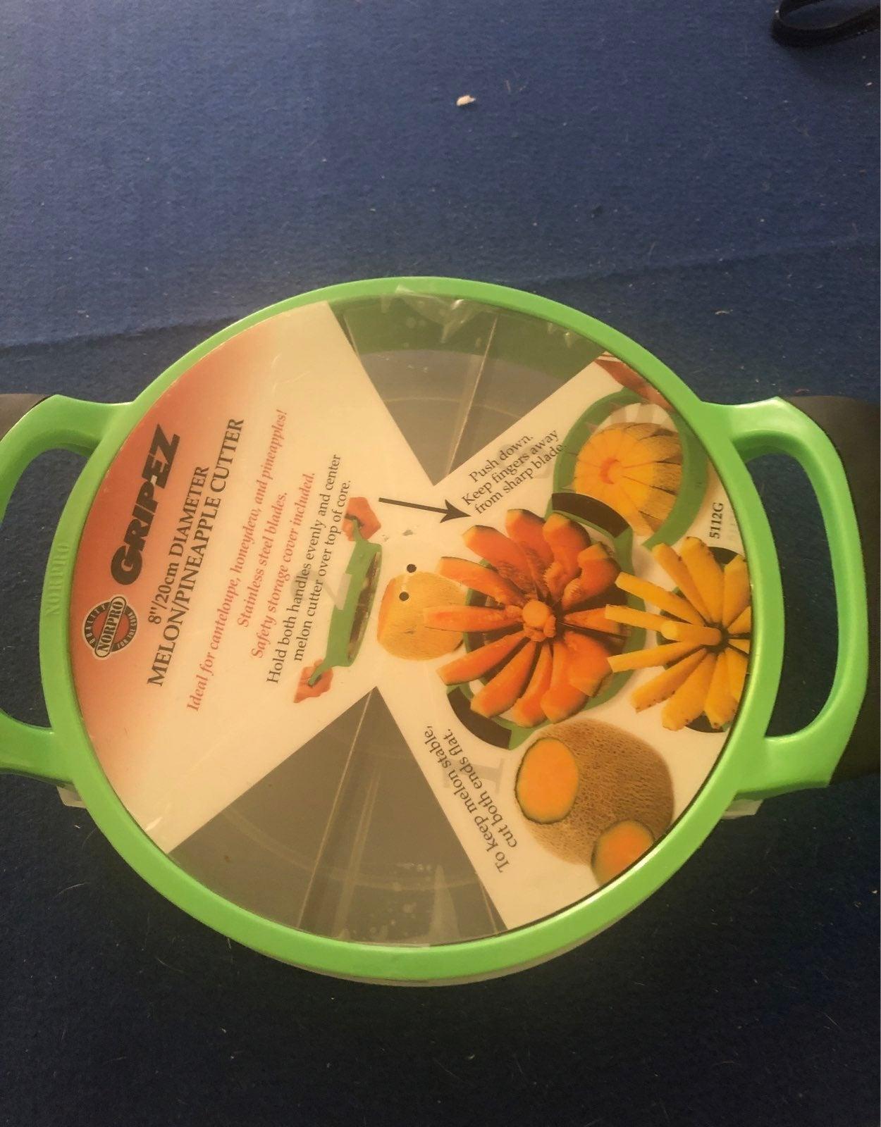 Melon/pineapple cutter GripEZ