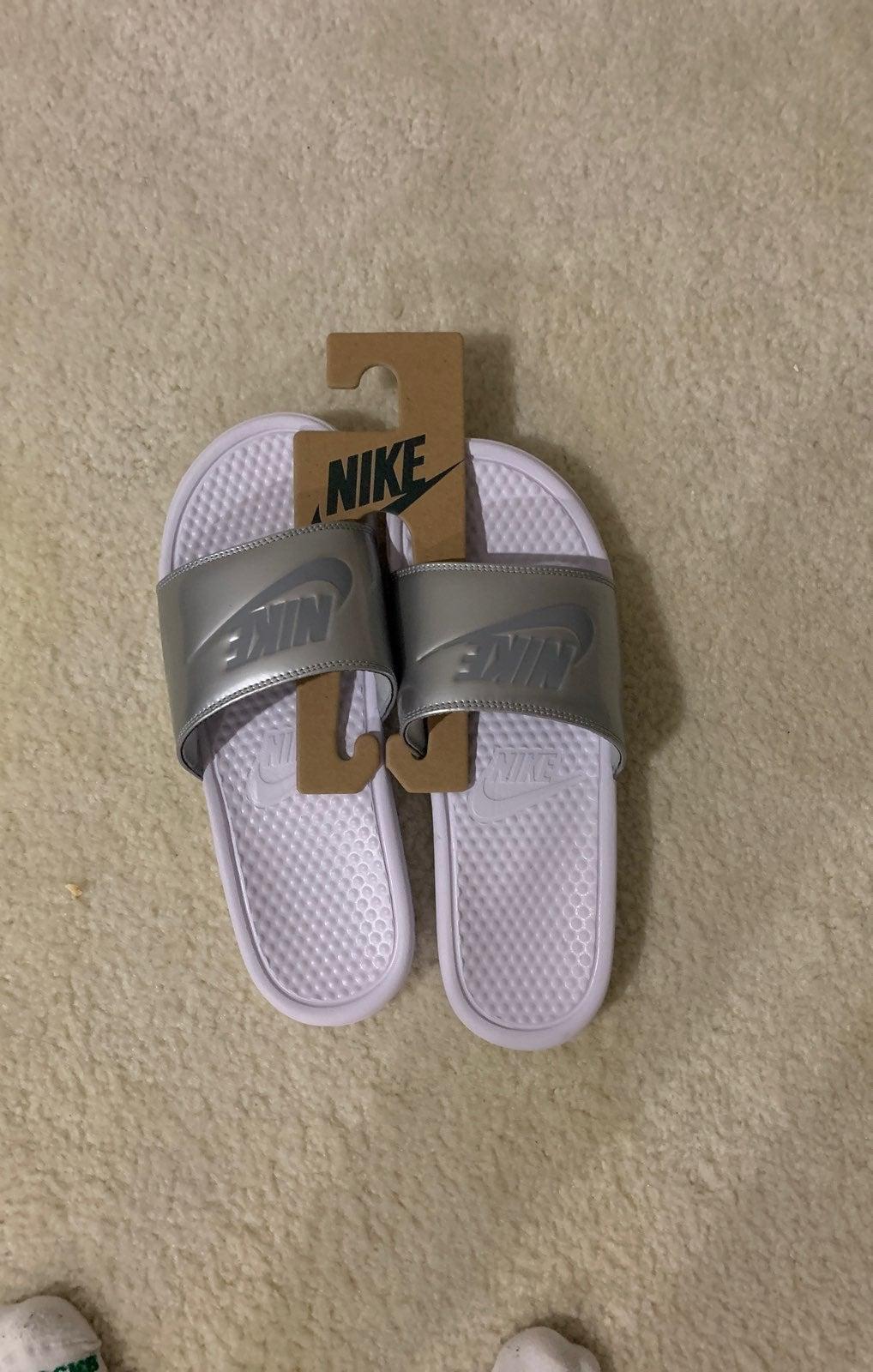 Nike slides women