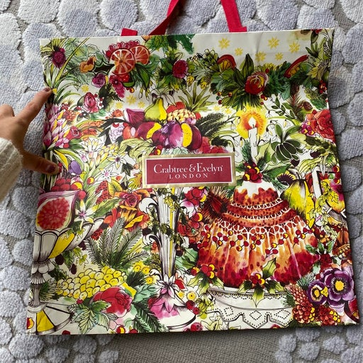 Crabtree & Evelyn LONDON paper gift bag