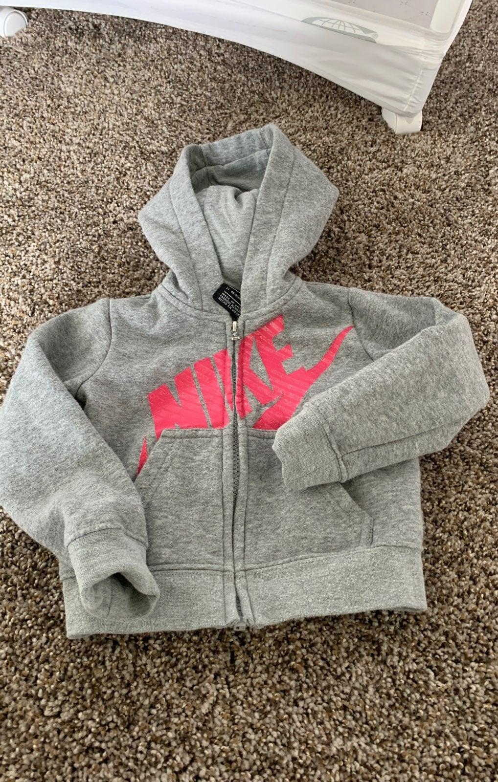 Nike sweater 2t