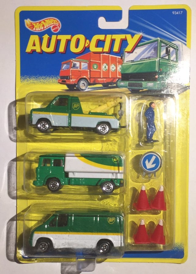 Hot wheels Auto City BP oil 3 pack w/Cor