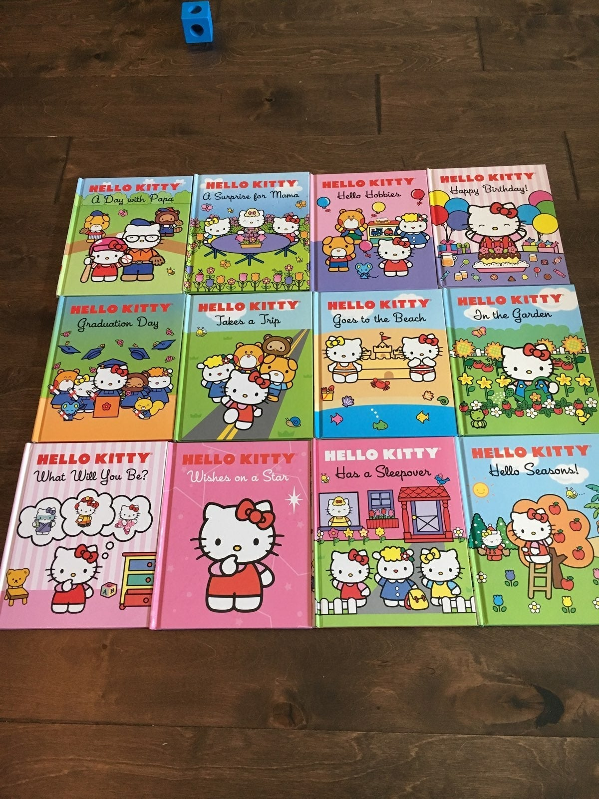 10 Hello Kitty Books