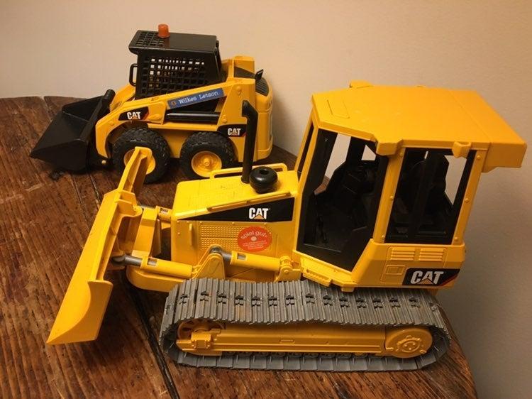 CAT Caterpillar Bulldozer Lot Of 2 w/ 20