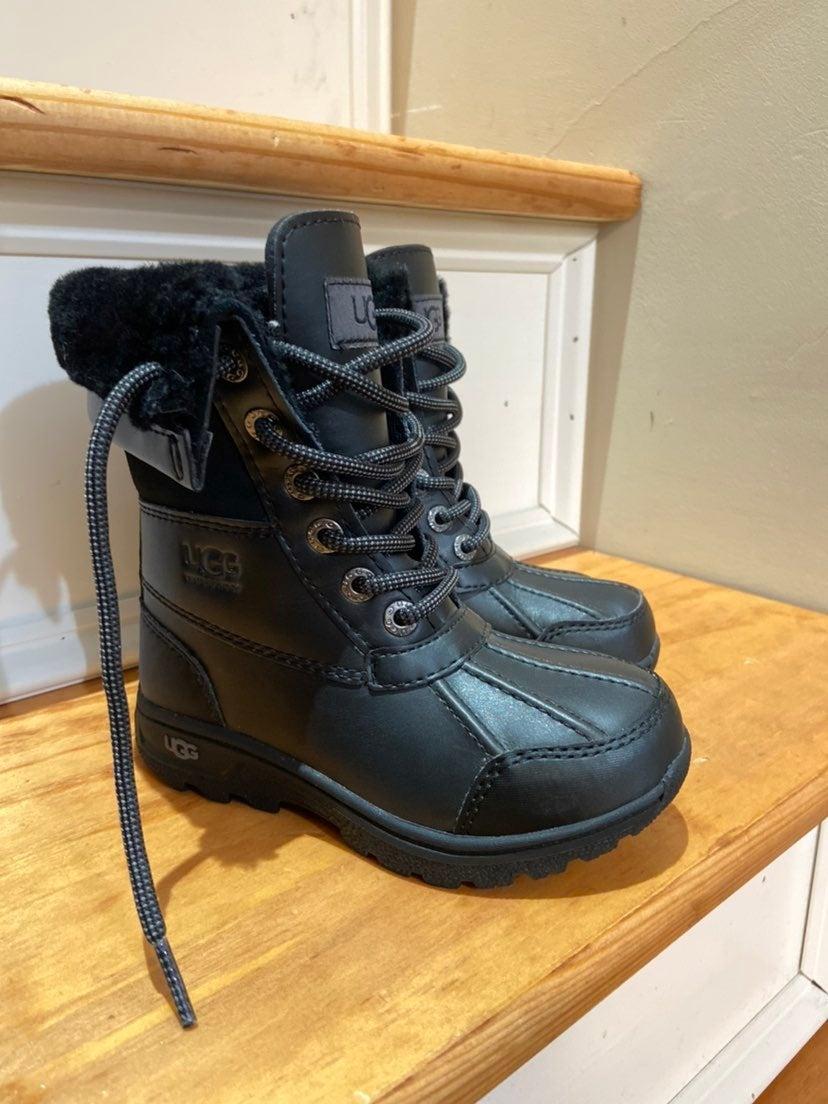 Ugg snow boots