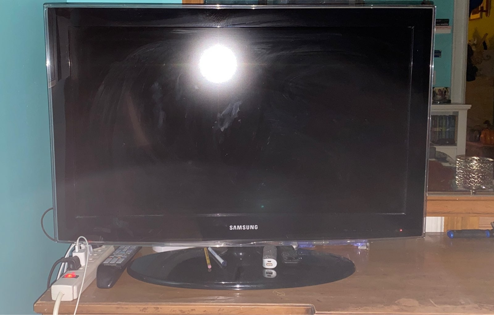 Samsung 32' Flat screen TV