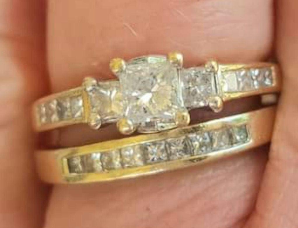 Kay Jewelers  1/2ct tw PRINCESS Cut Ring