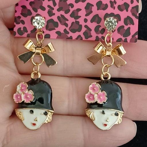 Betsey Johnson lady& Flowered hat earrin