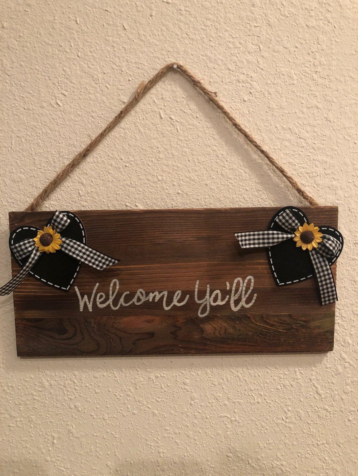 "Farmhouse ""Welcome Ya'll""  sign"
