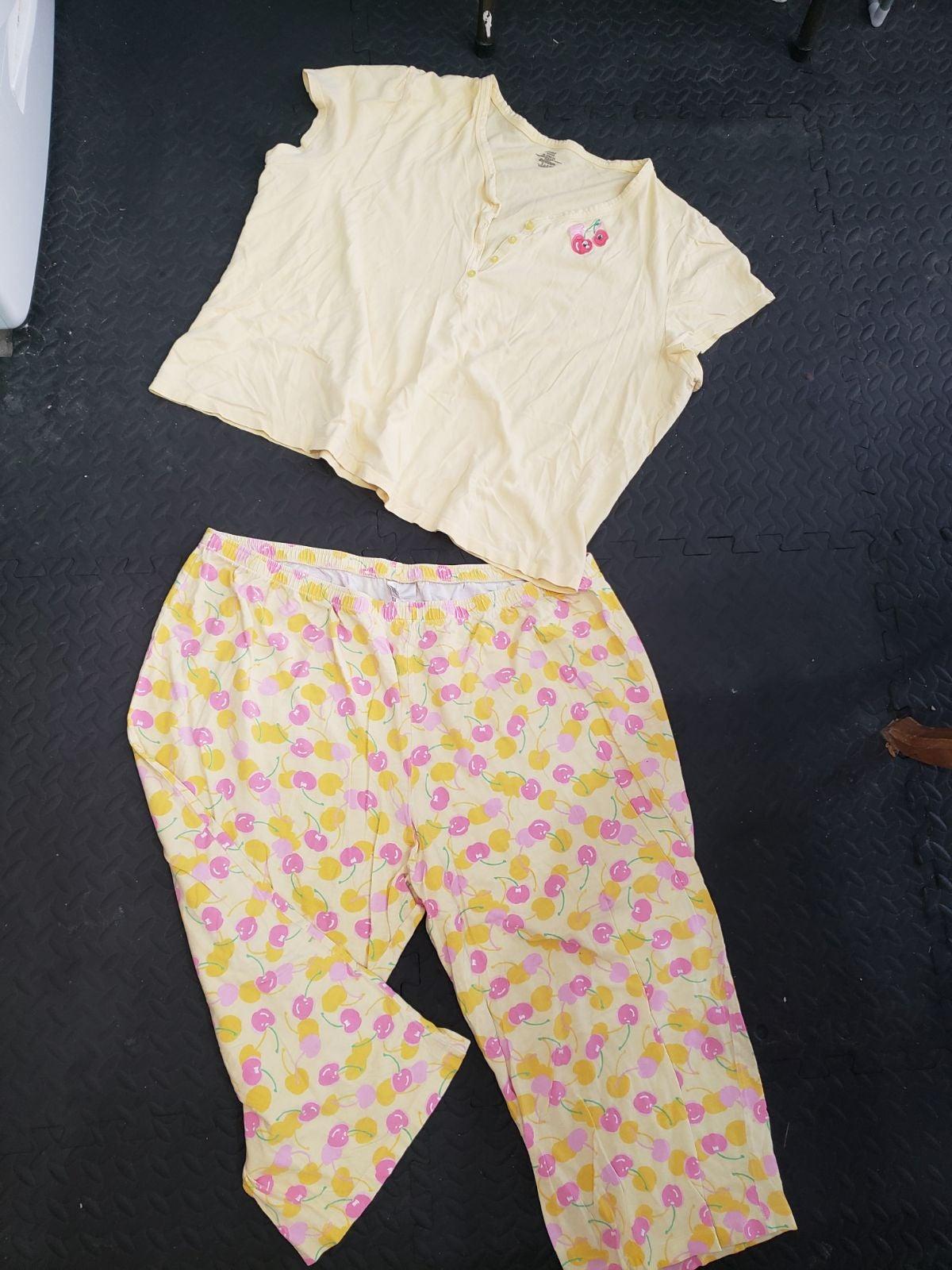 Adonna woman 2xl cherry print pajama set