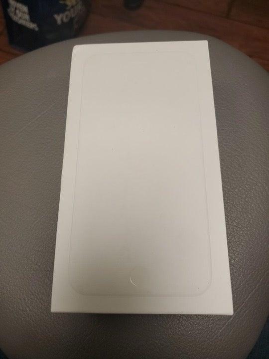 iPhone 6 plus 16gb gold box