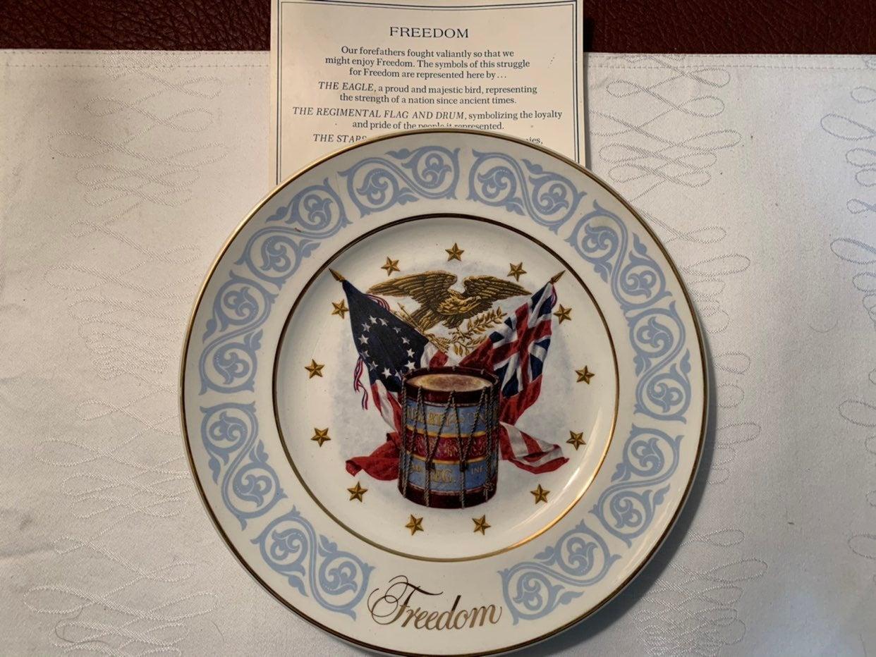 Vintage patriotic collectible plate lot