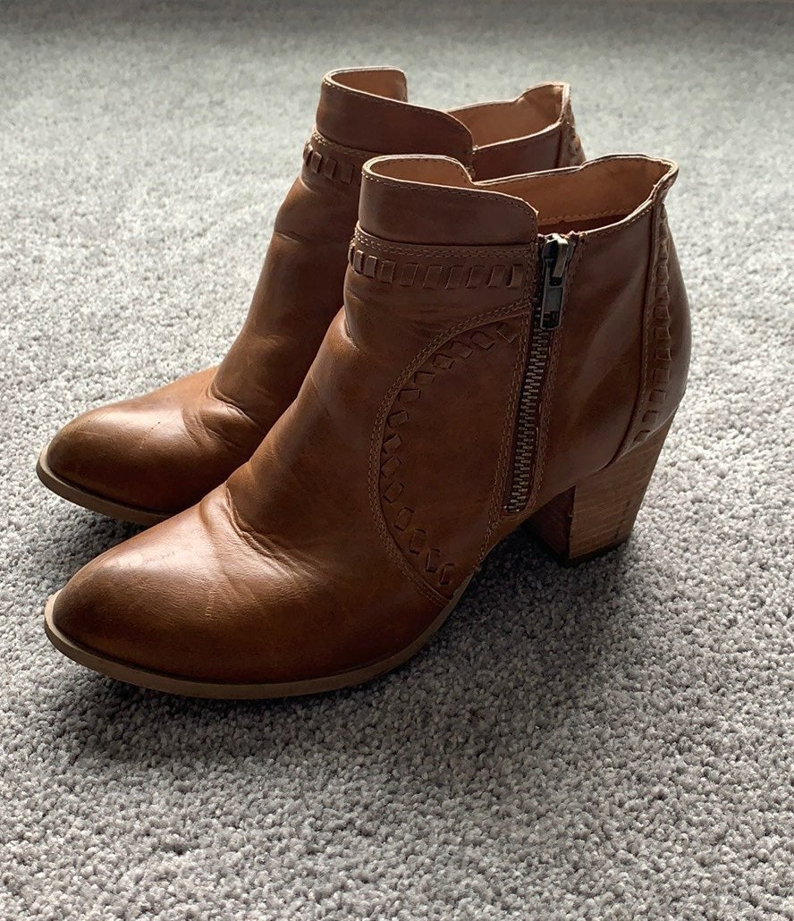 Report Brown Carla Ankle Booties