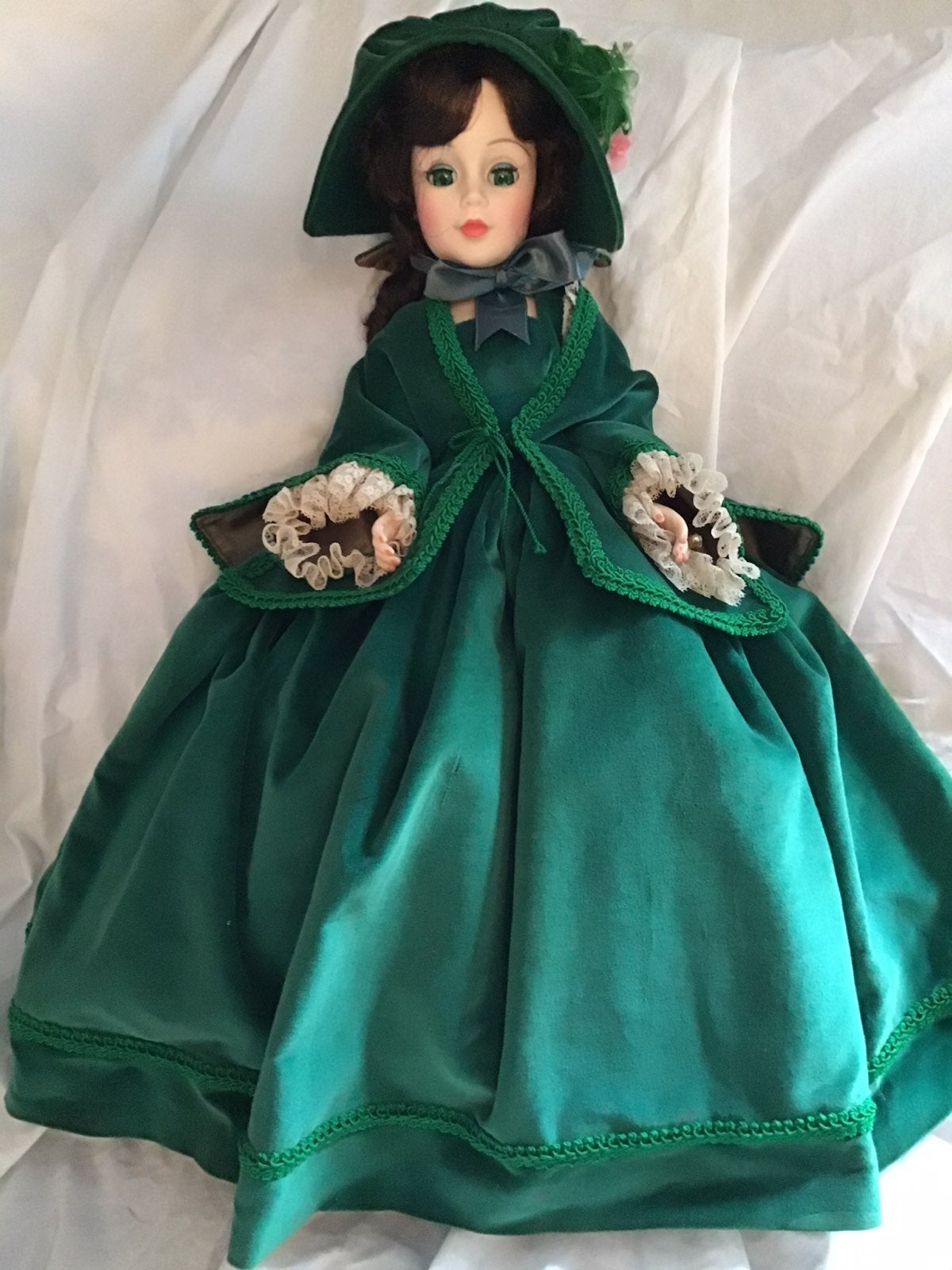 "Madame Alexander Scarlett 21"" Doll"