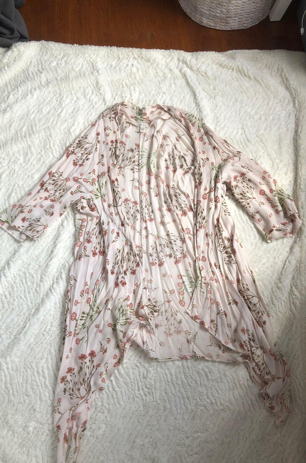 Francesca's floral kimono cardigan
