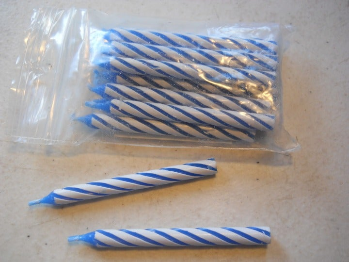 18 Unused Birthday Candles Blue White