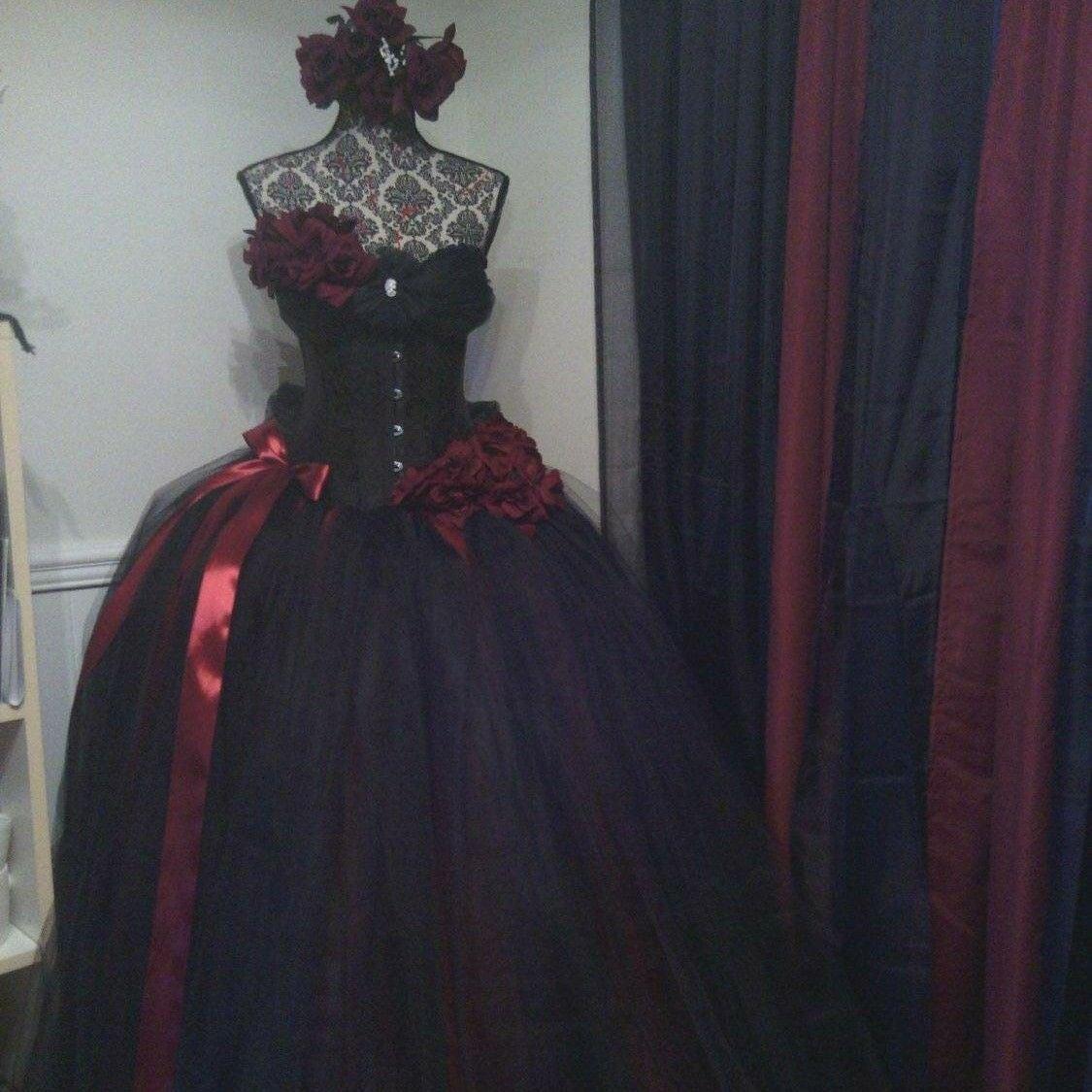 Wedding dress steampunk damask