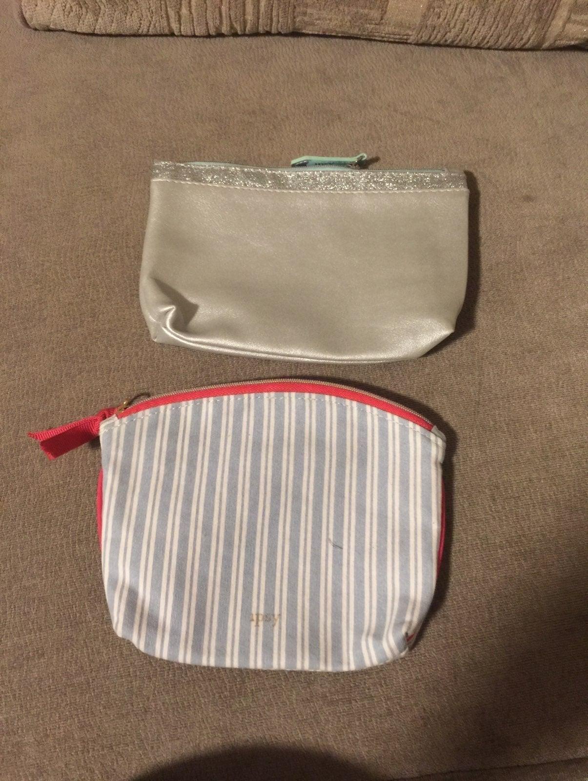 2 makeup bag