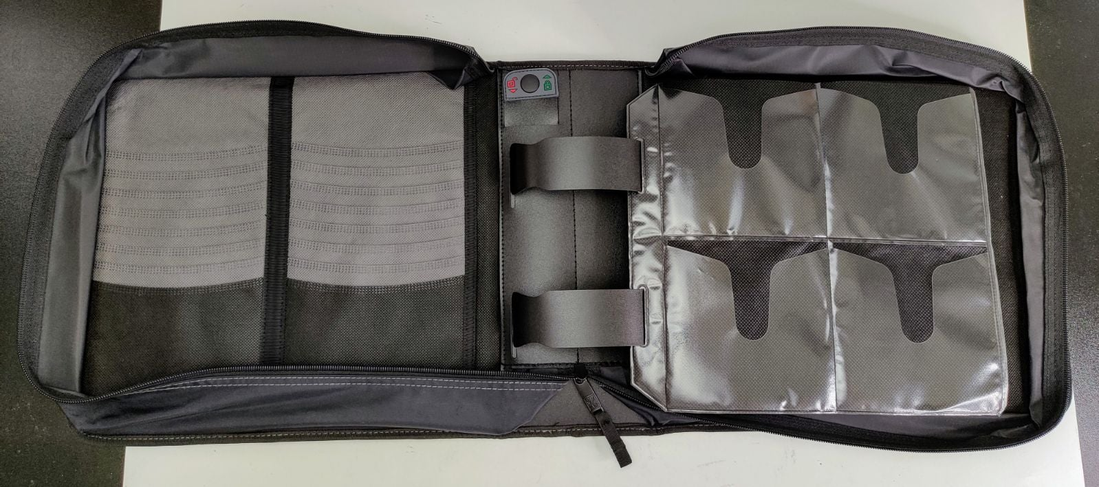 Case Logic CDW-208 Portable Case-Wallet