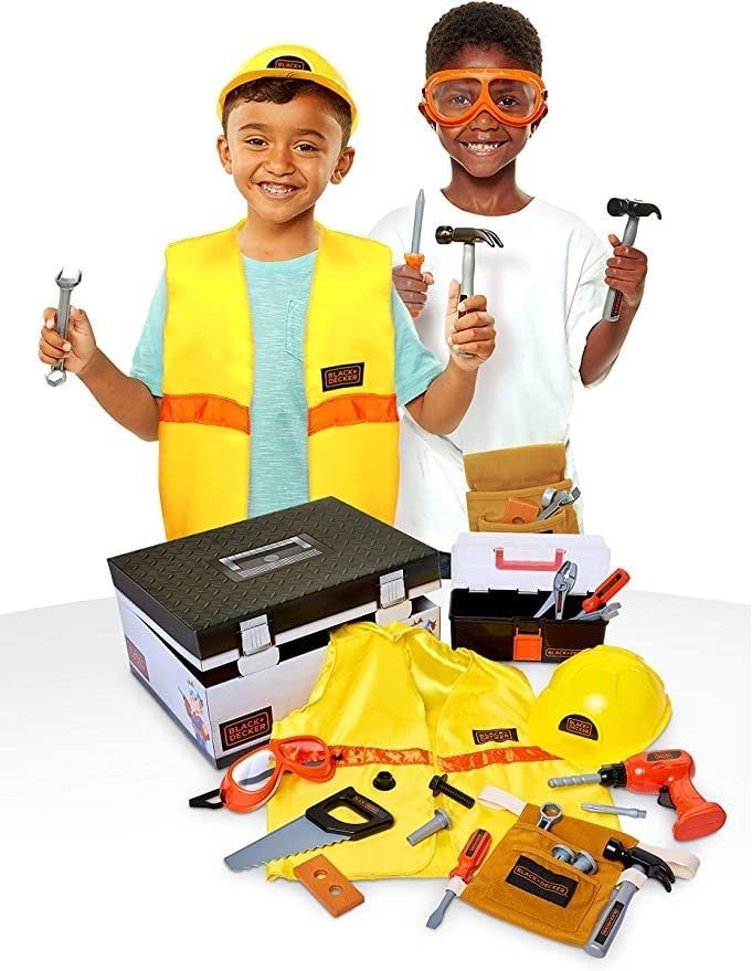 BLACK+DECKER Construction Dress Up Trunk