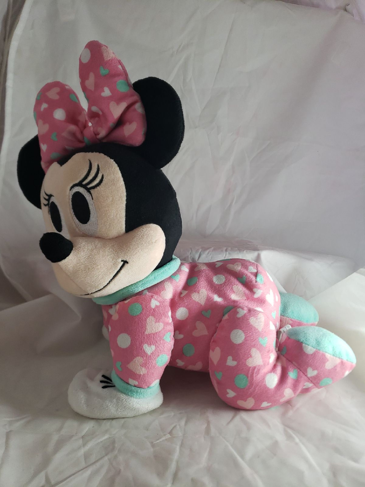 Minnie Mouse crawling Plush