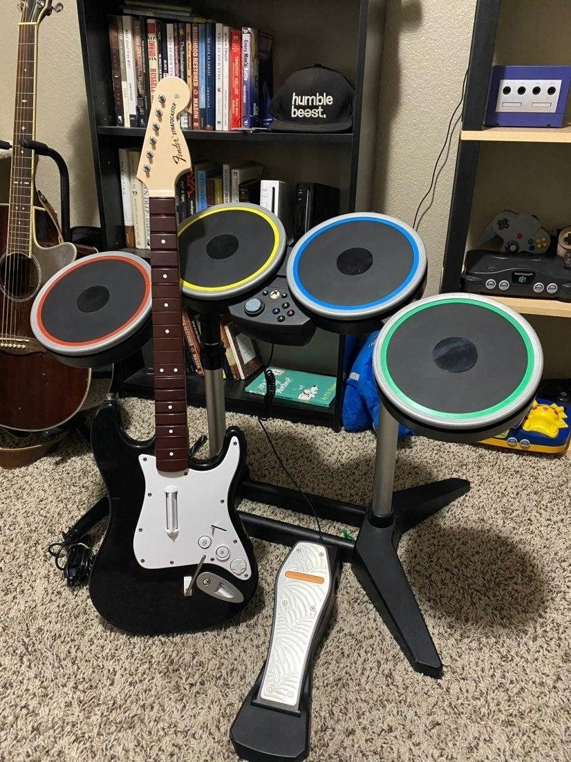Rock Band 4 Xbox One Bundle