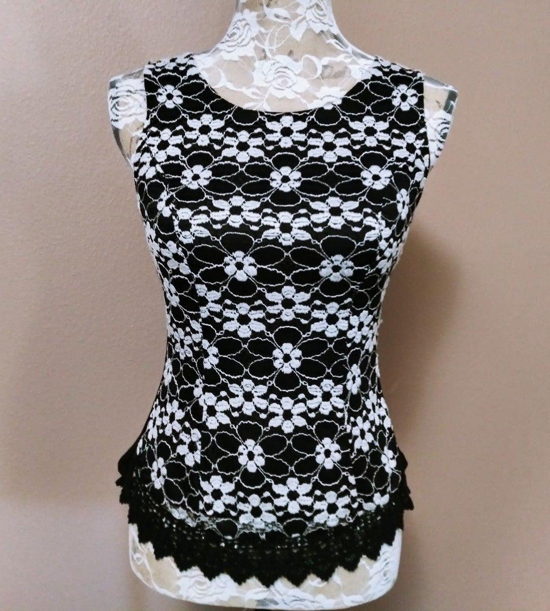 Size Small Black & White Lace Agaci Top