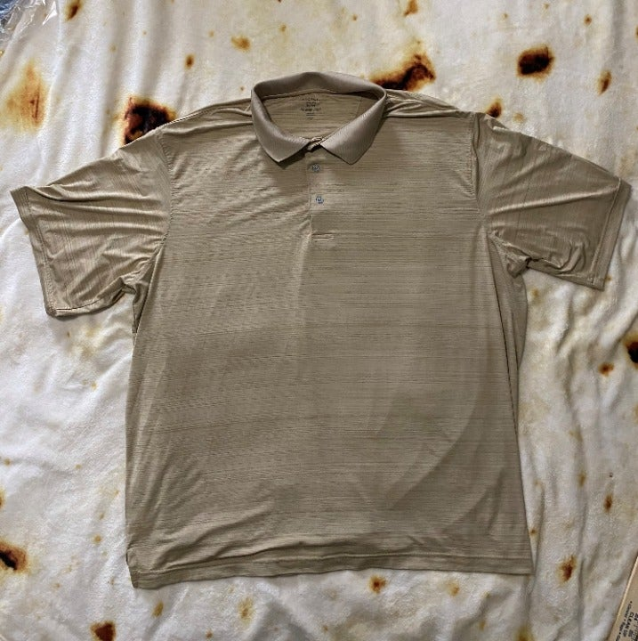 George t shirt color sand size 2XL used