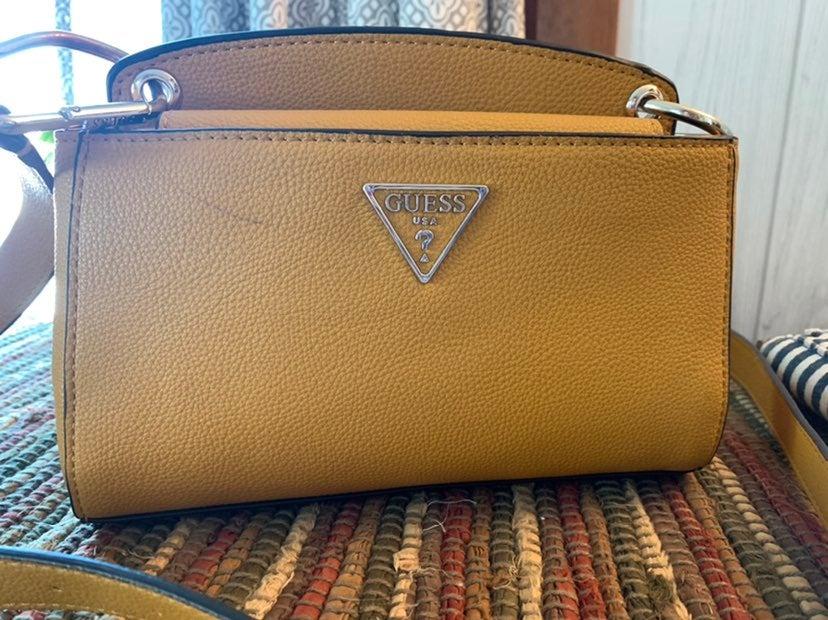 Guess crossbody purse