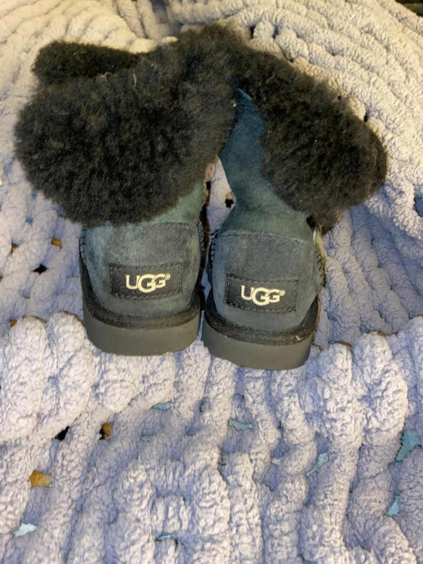 UGG boots toddler sz 10