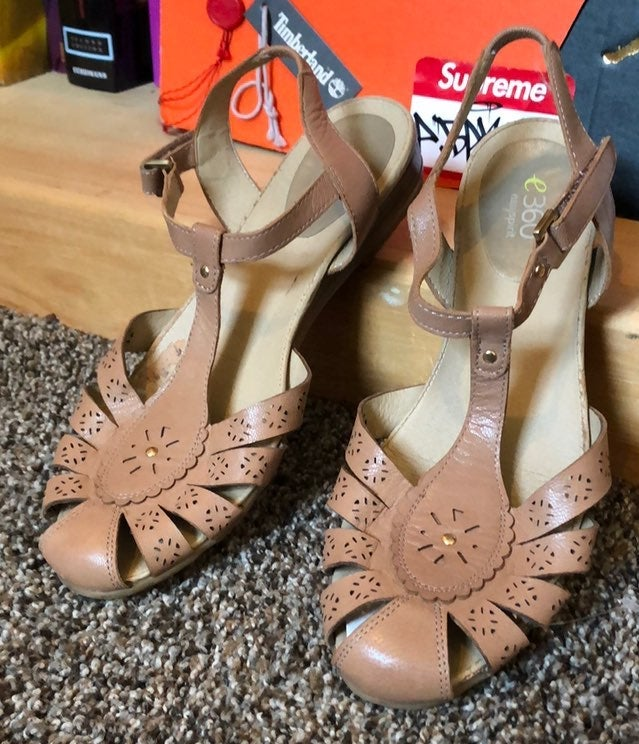 EASY SPIRIT-'E360' delcine strap sandals