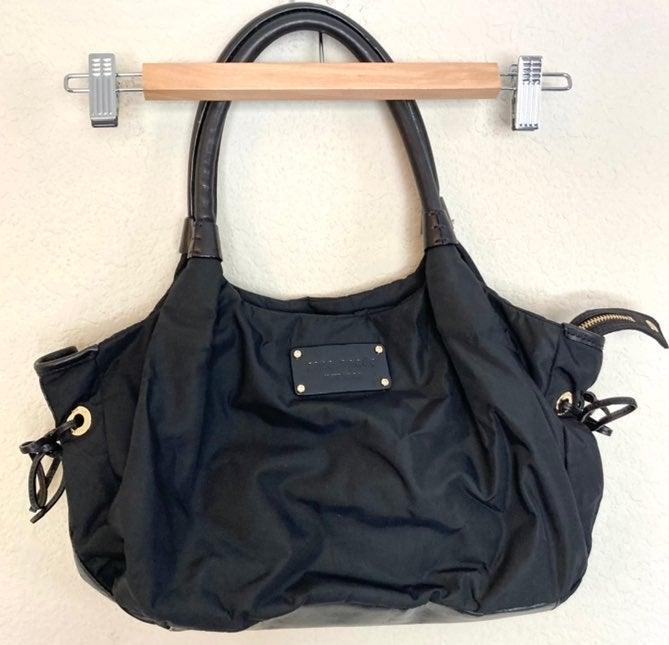Kate Spade Black Nylon Shoulder Bag zip
