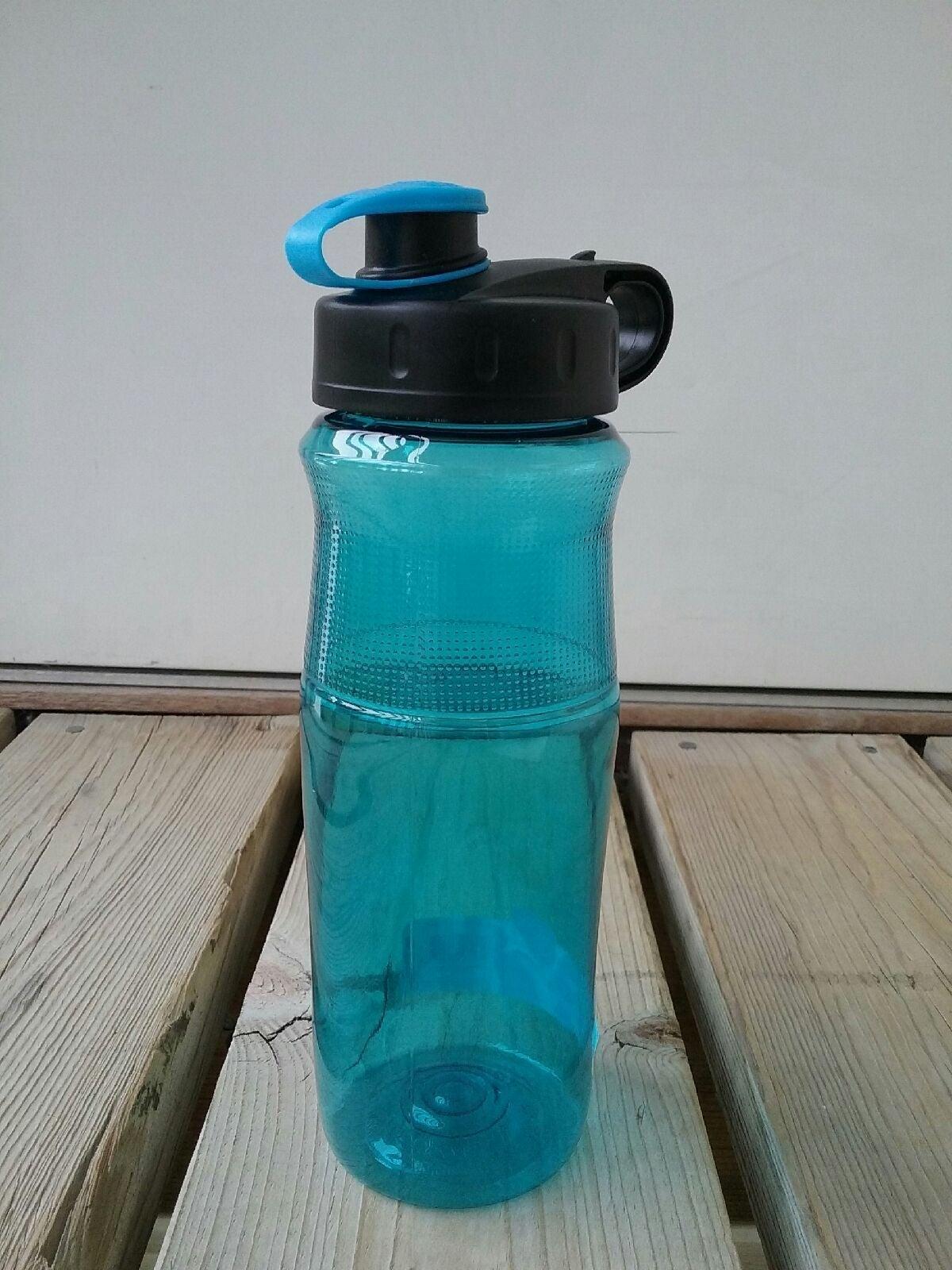 28 Ounce Sports Water Bottle BPA free