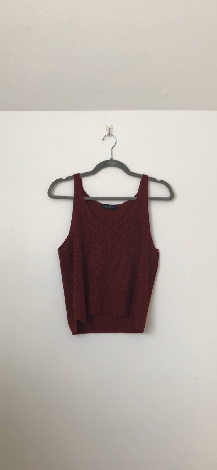 Abbeline Sweater Tank in burgundy