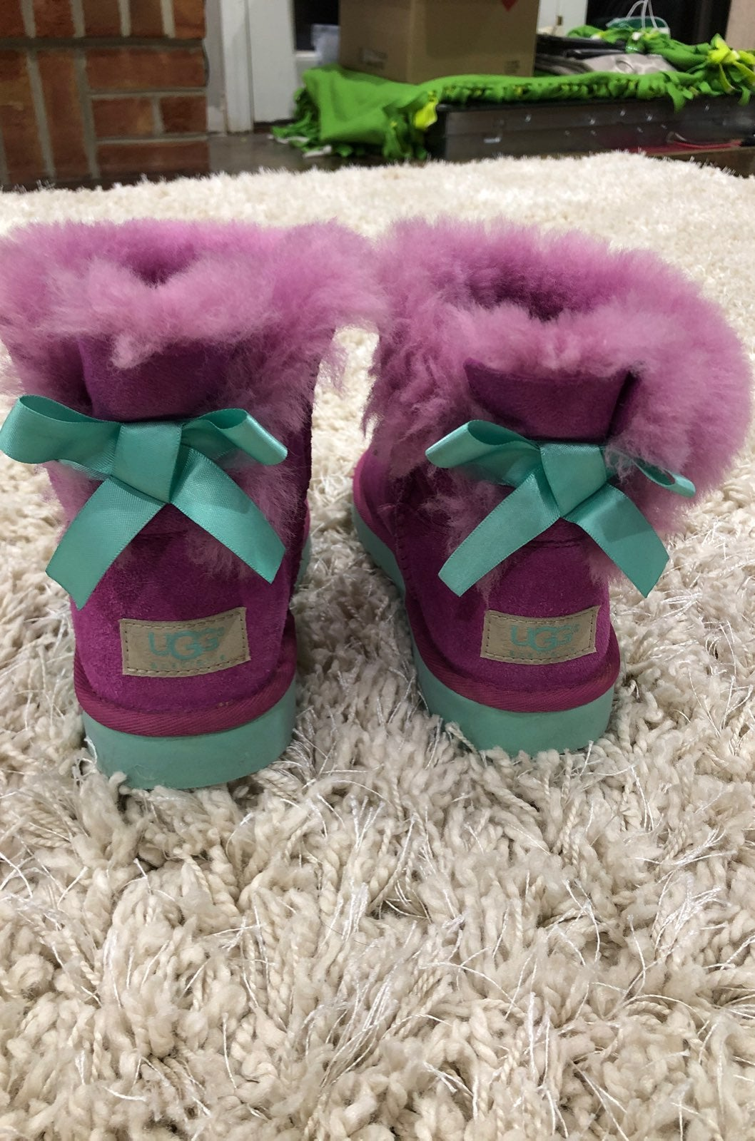 Ugg boots size 1 girls with bows