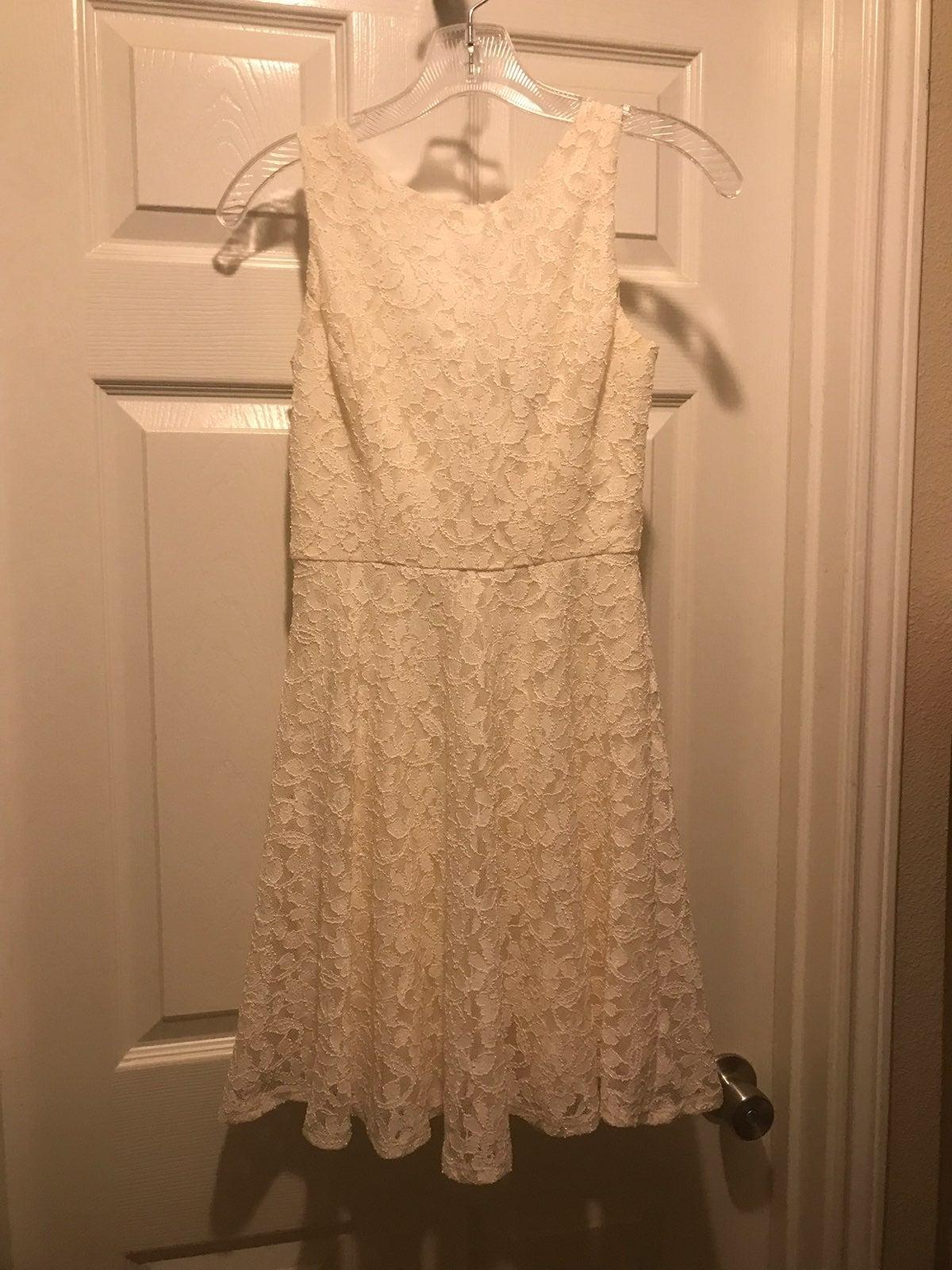 Cute Ivory lace dress SZ XXS