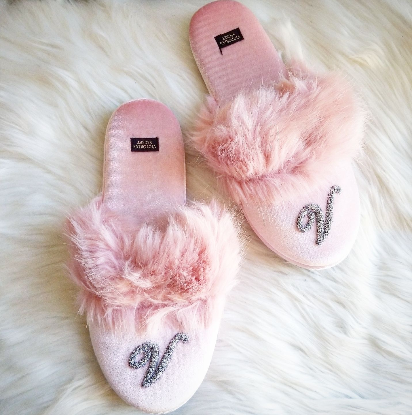 Victoria's Secret Pink Velour Slippers