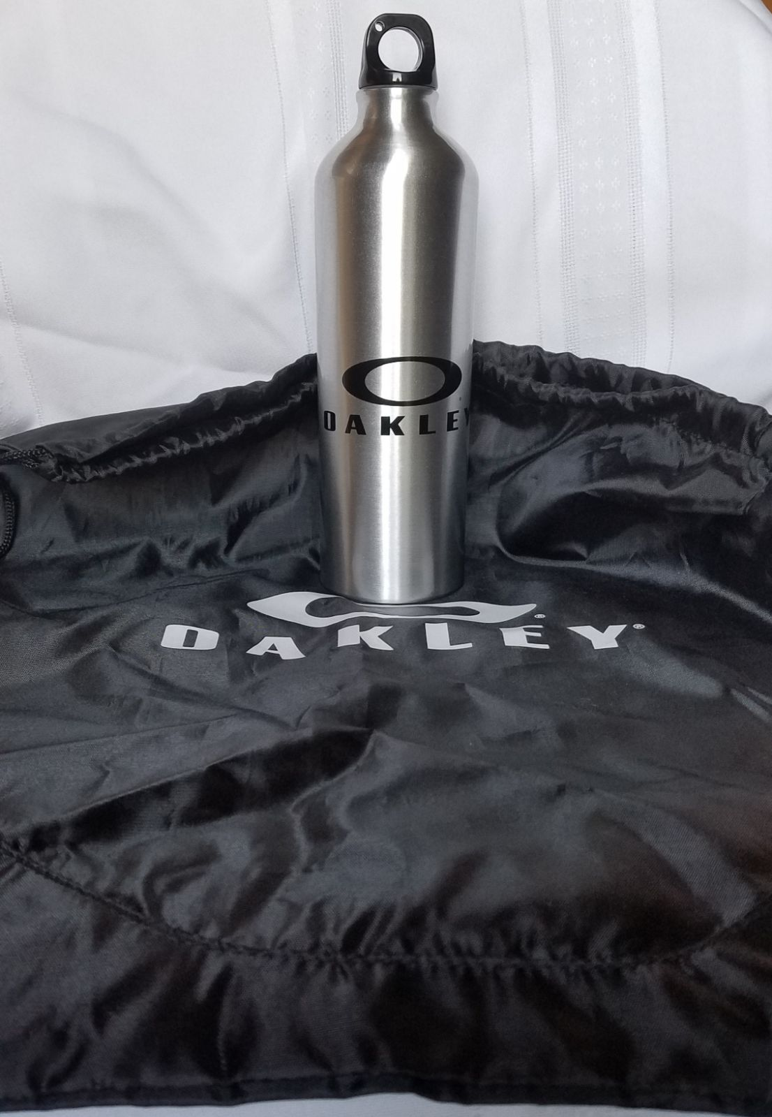 Oakley Water Bottle w/Bag
