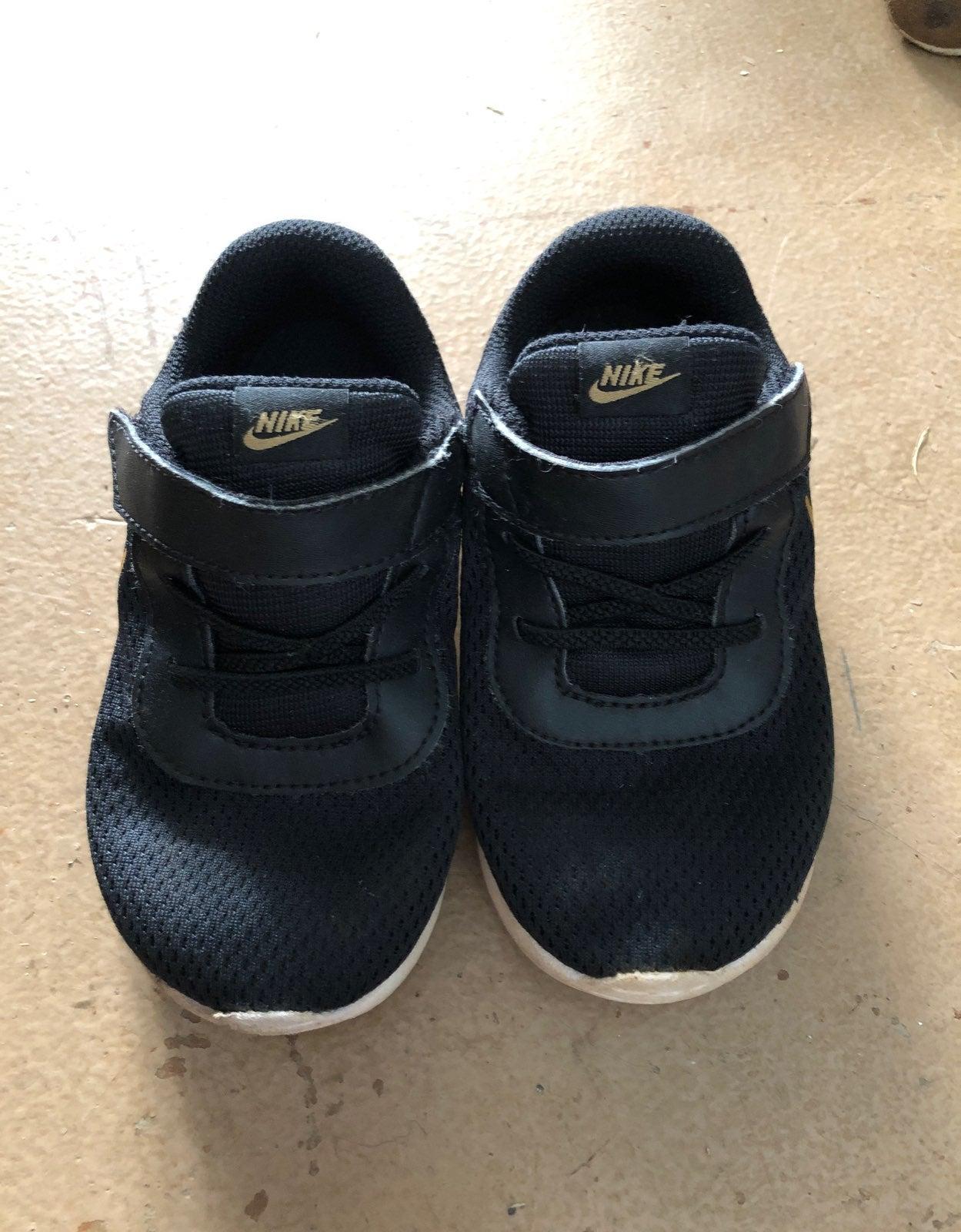 Boys toddler Nike size 8c