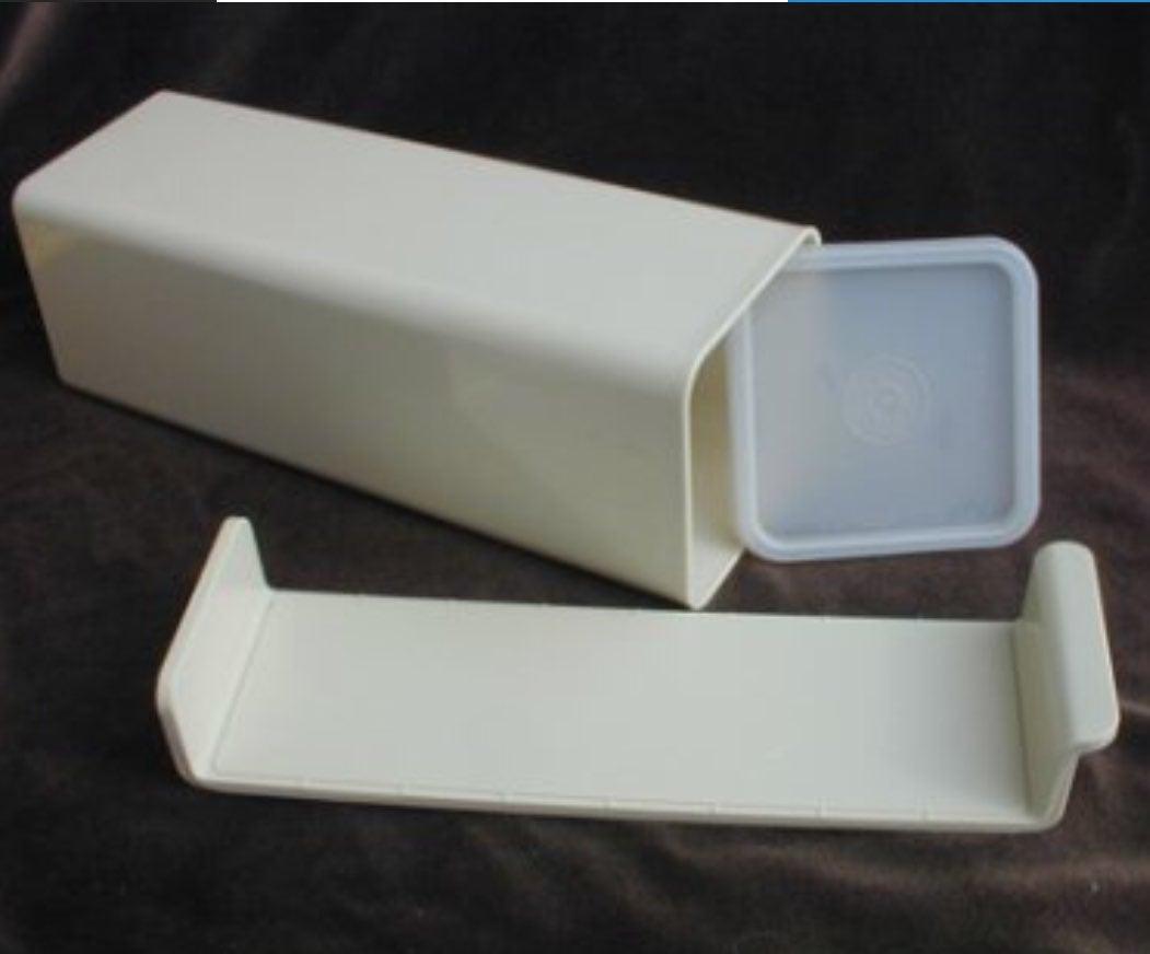 Tupperware Cheese/ Cracker Container