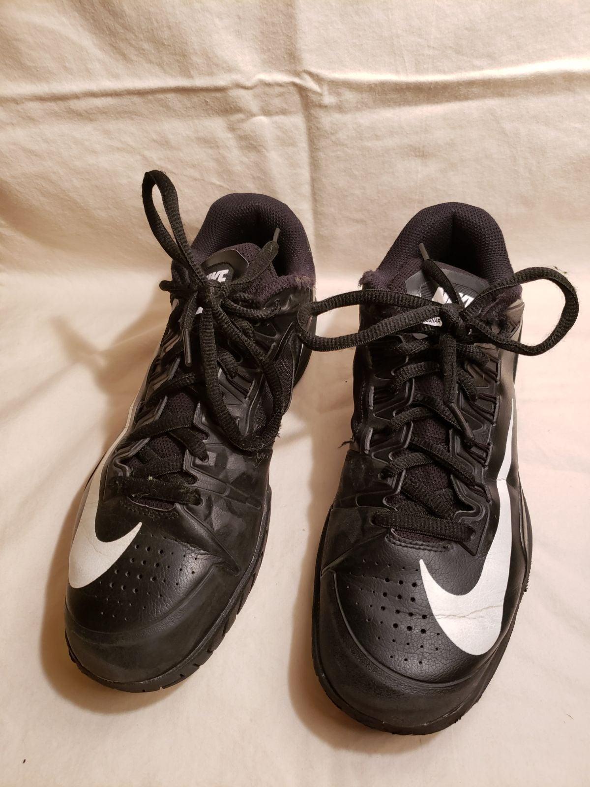 Black Nike tennis shoes / sneakers men