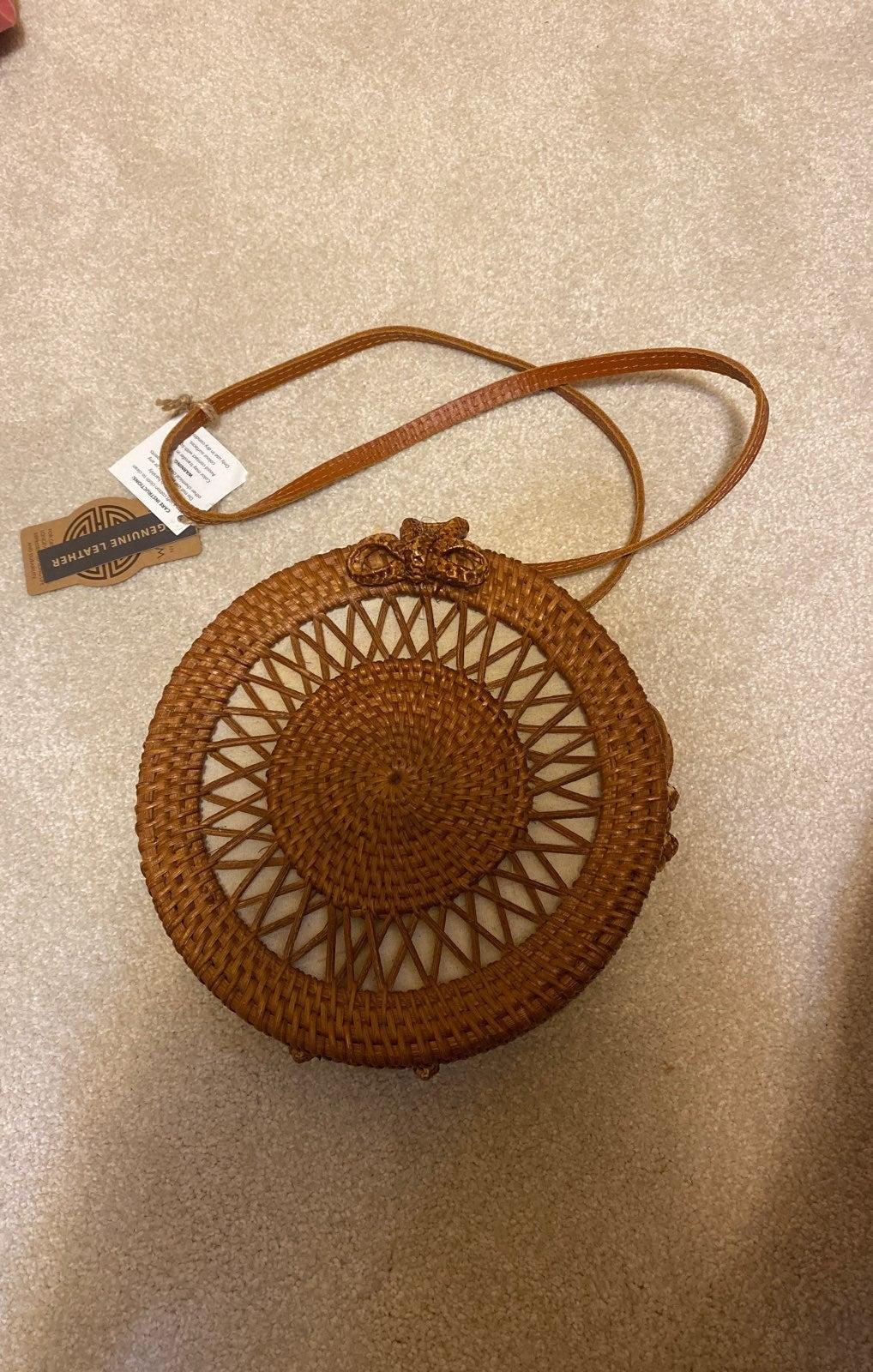 Brown woven circle bag