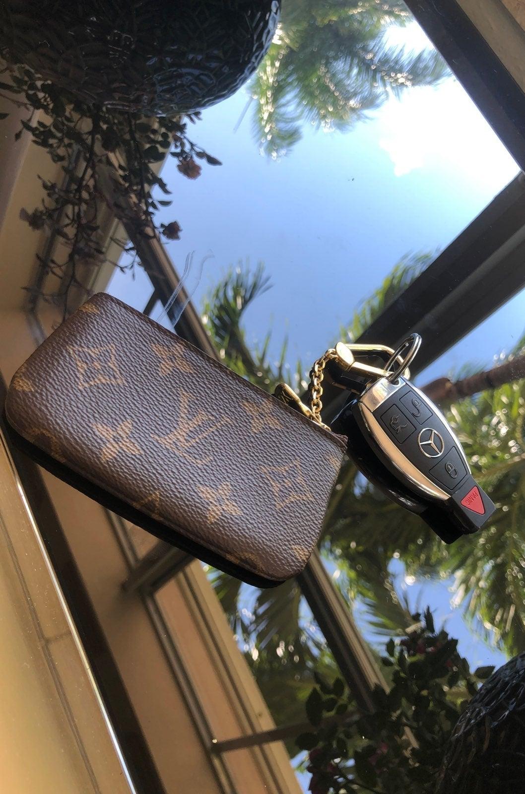 Louis Vuitton Key Pouch/Cles