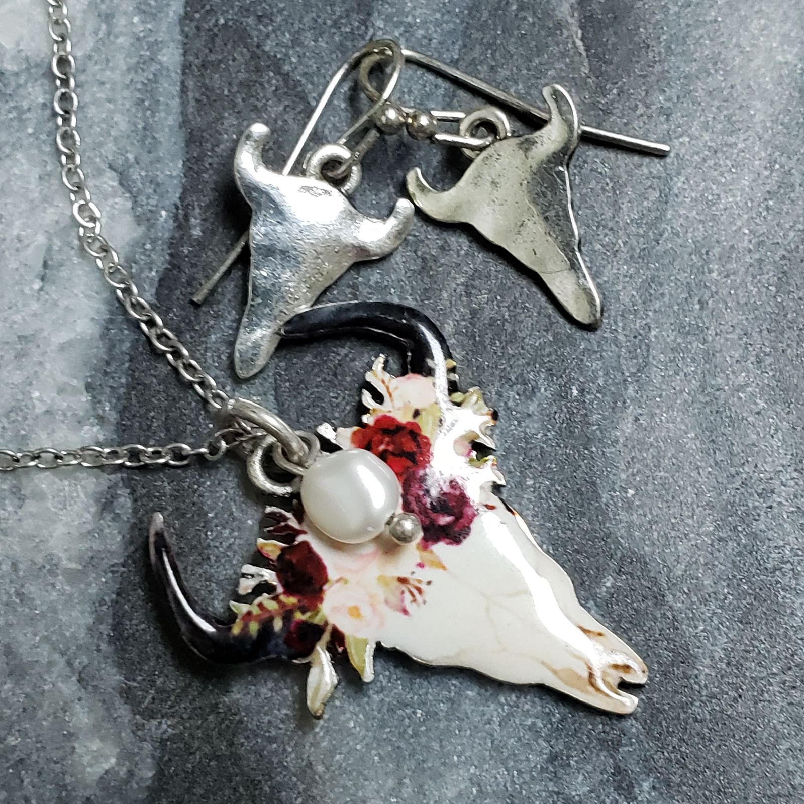 Cow skull necklace and earrings set