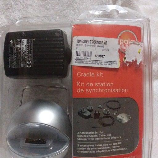 Palm Tungsten T5 Cradle Kit