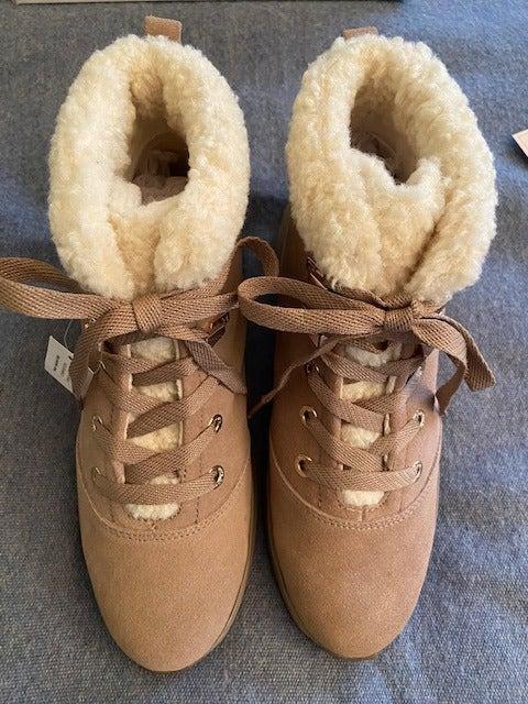 Taryn Rose Zahara Boots 9. New in Box.