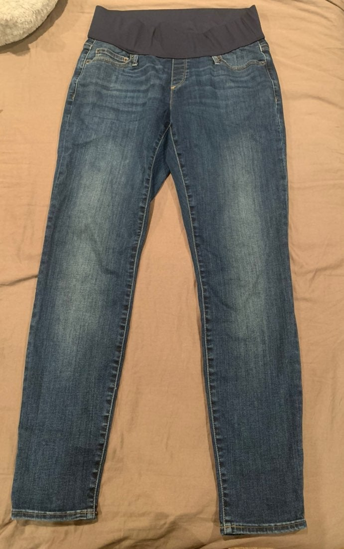GAP Maternity True Skinny Jeans size 8